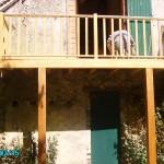 Balcon sur poteaux avec balustrade. Hauteur 3.50 m, secteur Champignelles